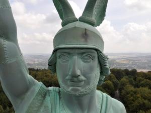 Komm mit Theofilius auf Eulentour, Hermannsdenkmal